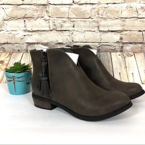 NEW! Dirty Laundry Chirystal Brown Ankle Boots